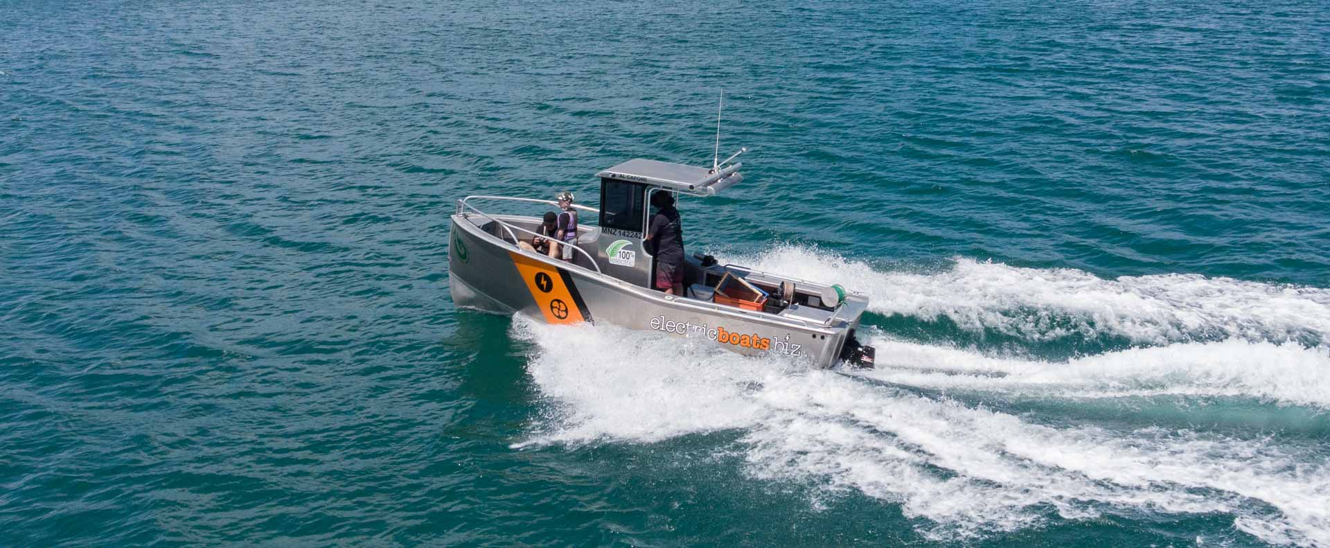 Commercial electric boat to hire bay of plenty